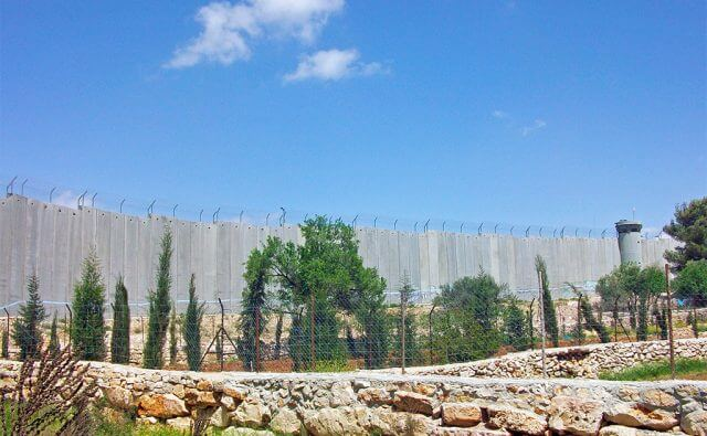 West_Bank_separation_barrier_at_Bethlehem